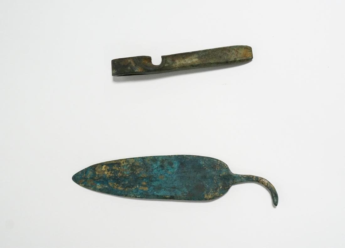 2 ANCIENT BRONZE AGE AXE HEAD AND KNIFE - 4