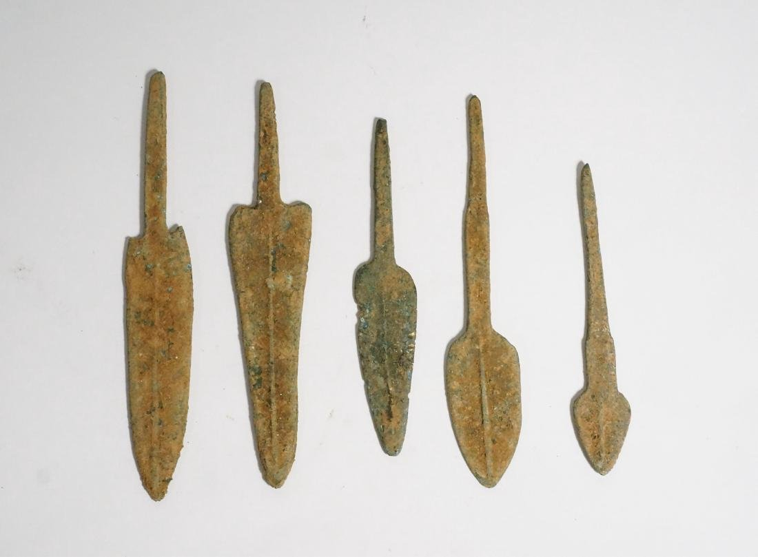 GROUP OF 5 ANCIENT LURISTAN BRONZE ARROWHEADS
