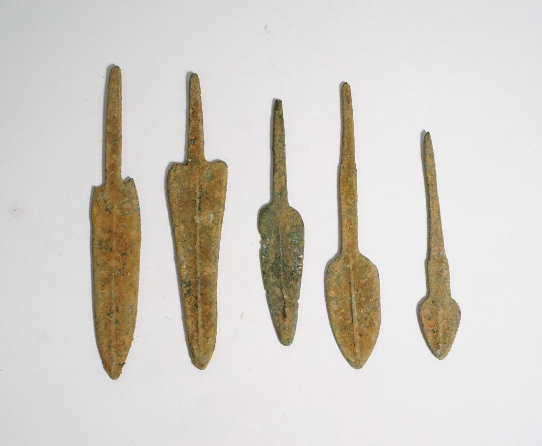 GROUP OF 5 ANCIENT LURISTAN BRONZE ARROWHEADS - 2