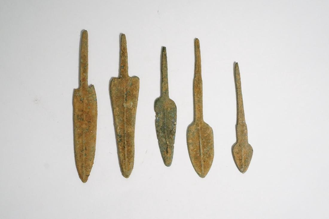 GROUP OF 5 ANCIENT LURISTAN BRONZE ARROWHEADS - 3