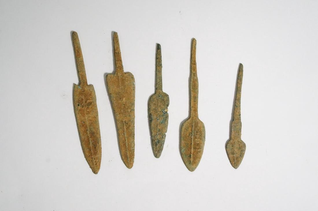GROUP OF 5 ANCIENT LURISTAN BRONZE ARROWHEADS - 4