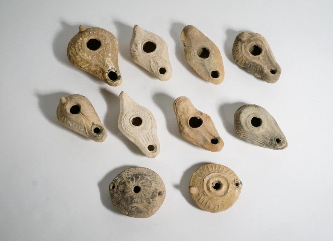 GROUP OF ANCIENT ROMAN CLAY OIL LAMPS