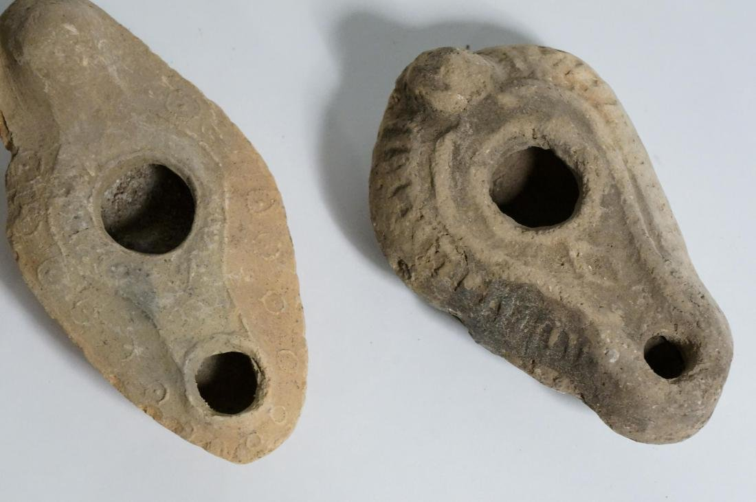 GROUP OF ANCIENT ROMAN CLAY OIL LAMPS - 3