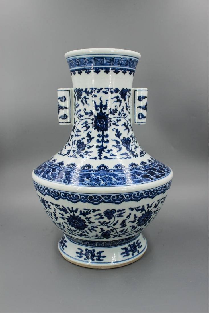 CHINESE QING DYNASTY BLUE WHITE TWIN EAR VASE