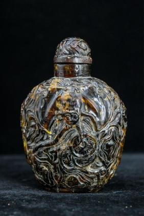 CHINESE QING DYNASTY AMBER CARVED SNUFF BOTTLE