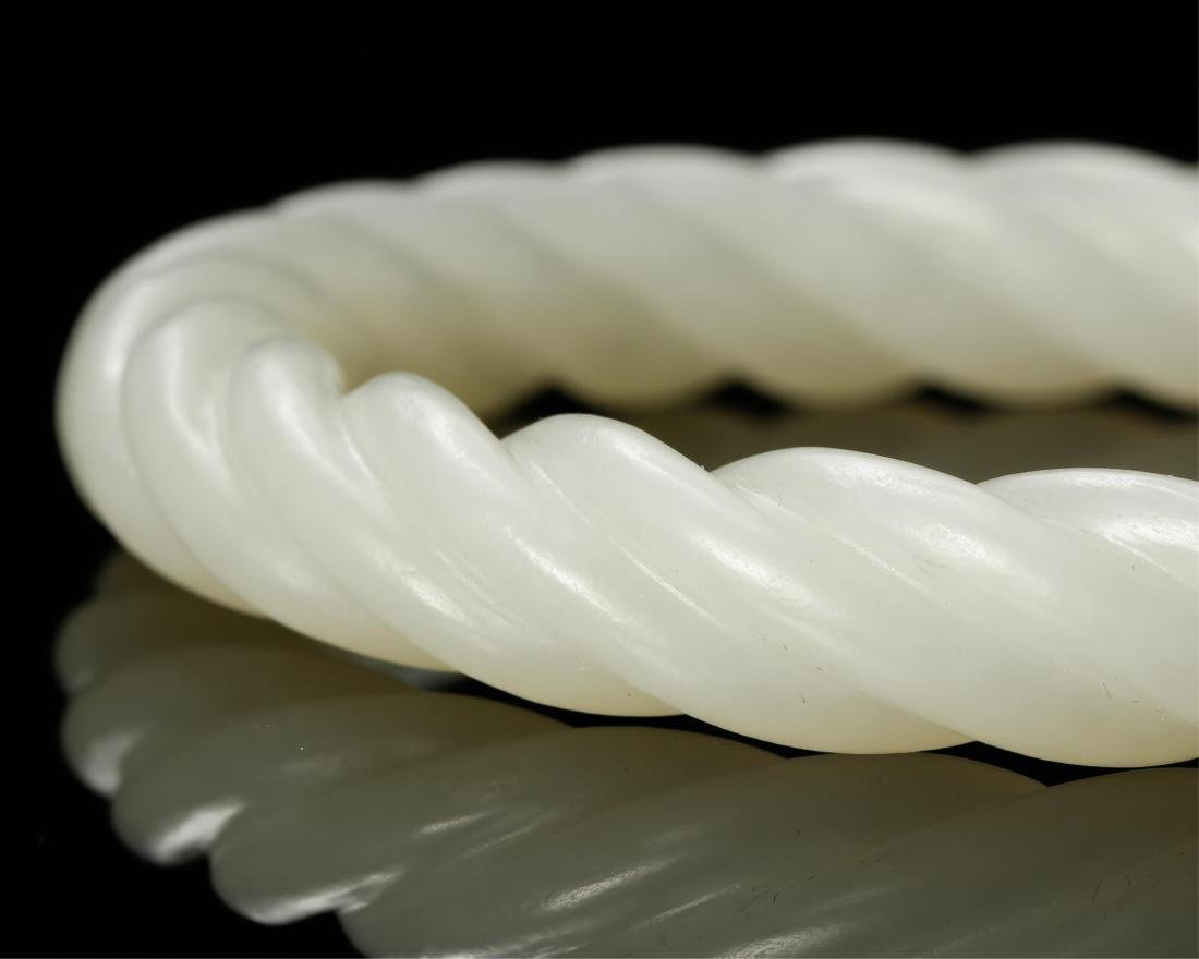 PAIR OF CHINESE WHITE JADE TWISTED BANGLE - 5