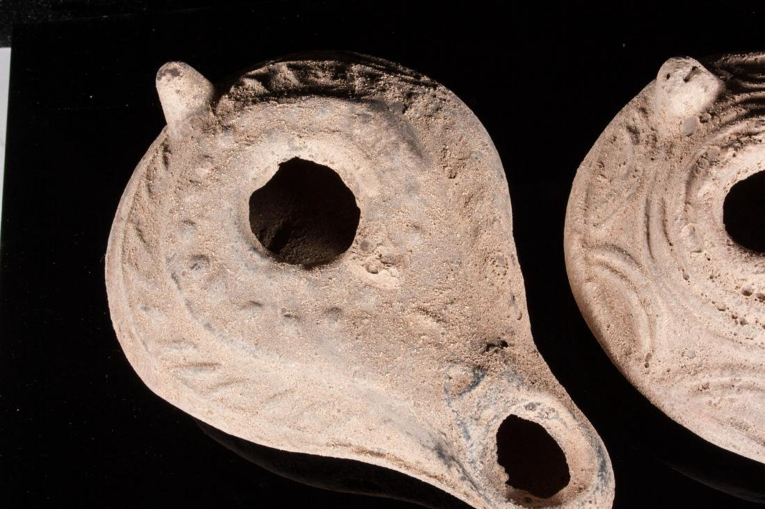 GROUP OF 6 ANCIENT ROMAN CLAY OIL LAMPS - 2