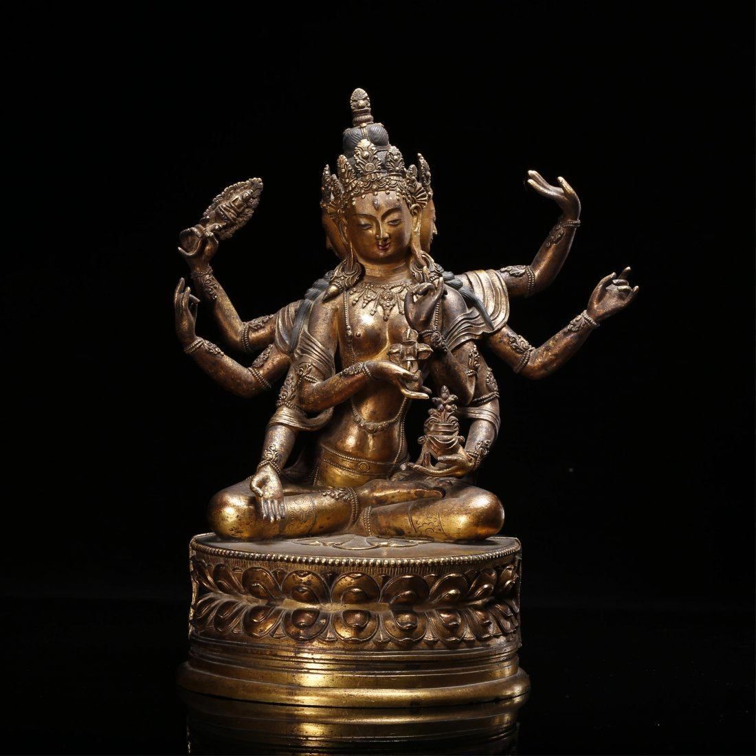 CHINESE GILT BRONZE FIGURE OF SEATED GUANYIN