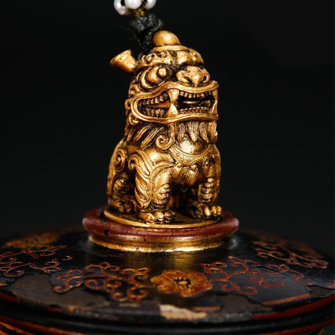 CHINESE GILT LACQUER THUMB RING BOX - 2