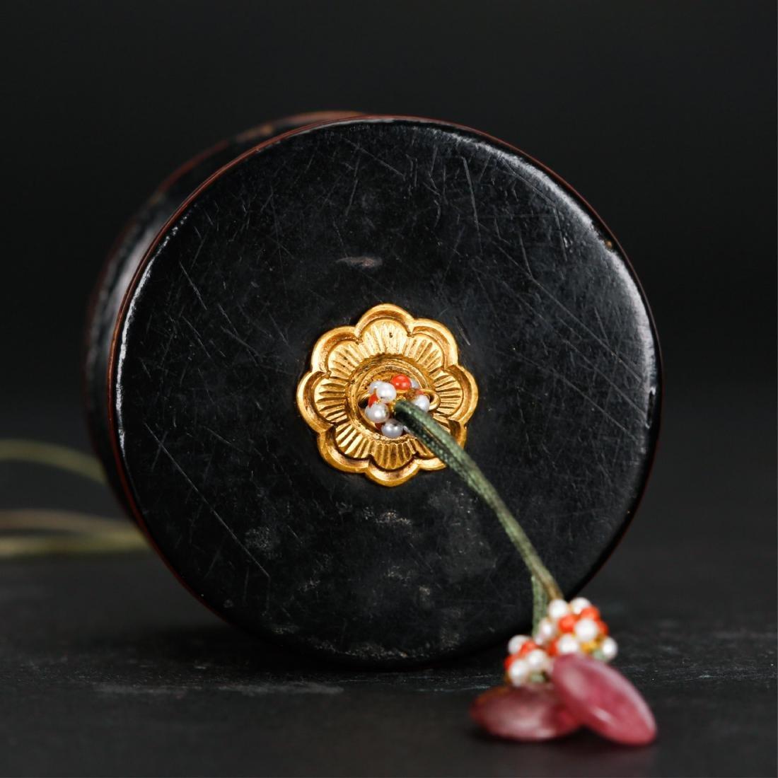 CHINESE GILT LACQUER THUMB RING BOX - 4