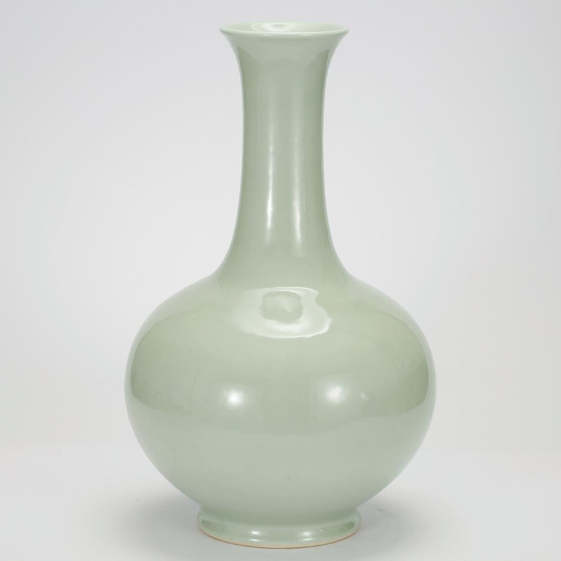 CHINESE CELADON GLAZED BOTTLE VASE QING DYNASTY