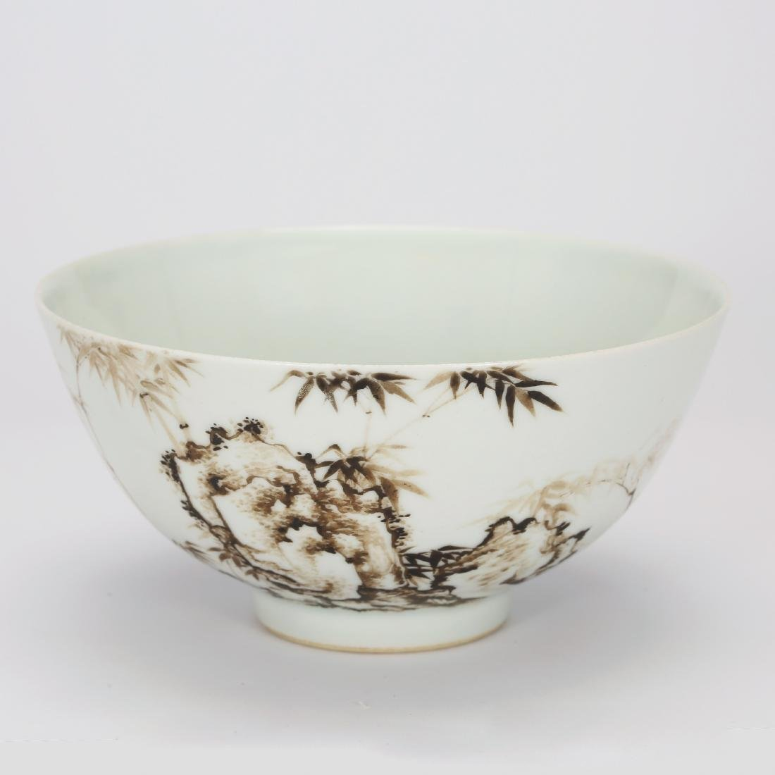 CHINESE PAINTED PORCELAIN BOWL WITH MARK, QING DYNASTY