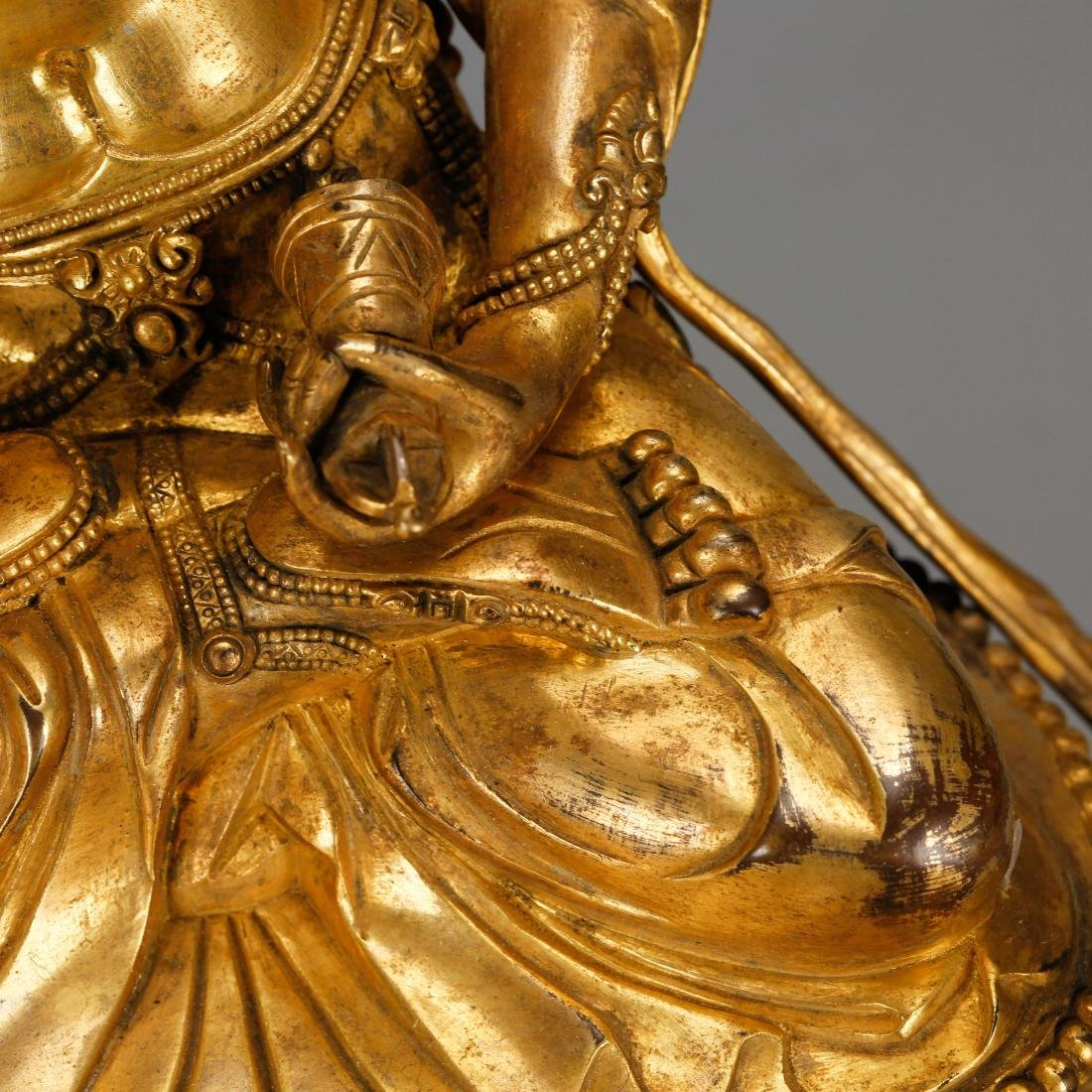 CHINESE GILT BRONZE FIGURE OF GUANYIN - 5