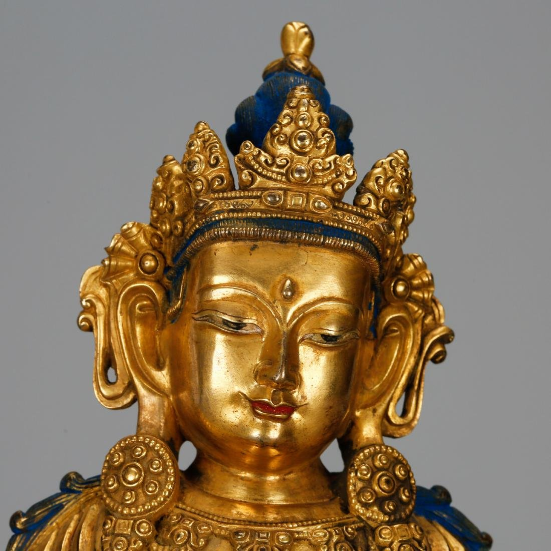 CHINESE GILT BRONZE FIGURE OF GUANYIN - 7