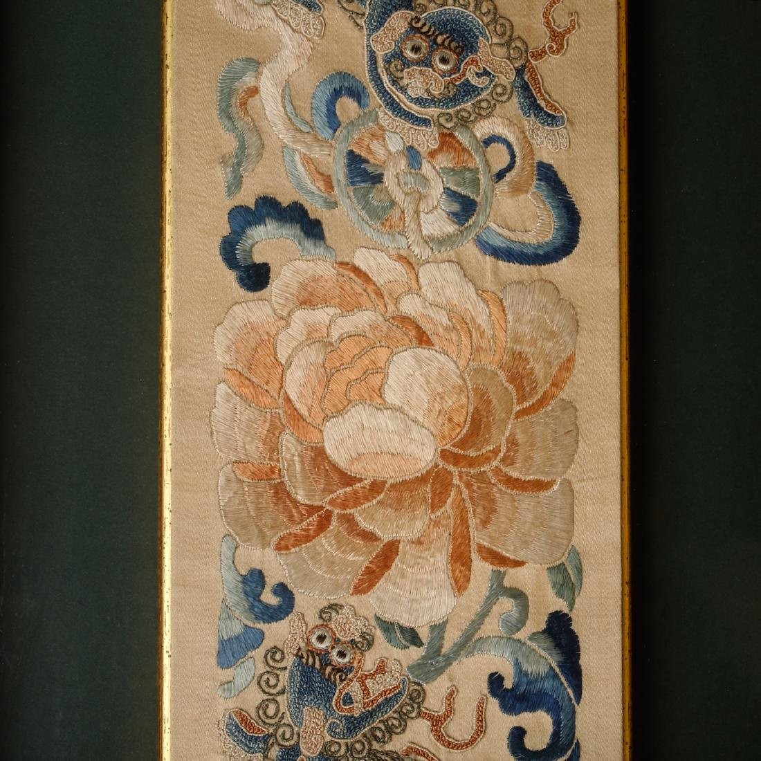 CHINESE EMBROIDERY OF FOOLION MOTIF - 2