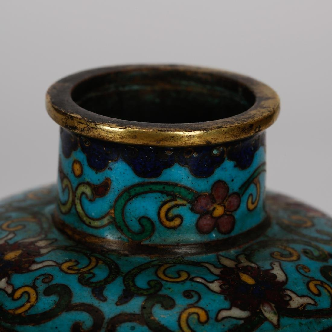 CHINESE CLOISONNE VASES WITH INLAID, PAIR - 3