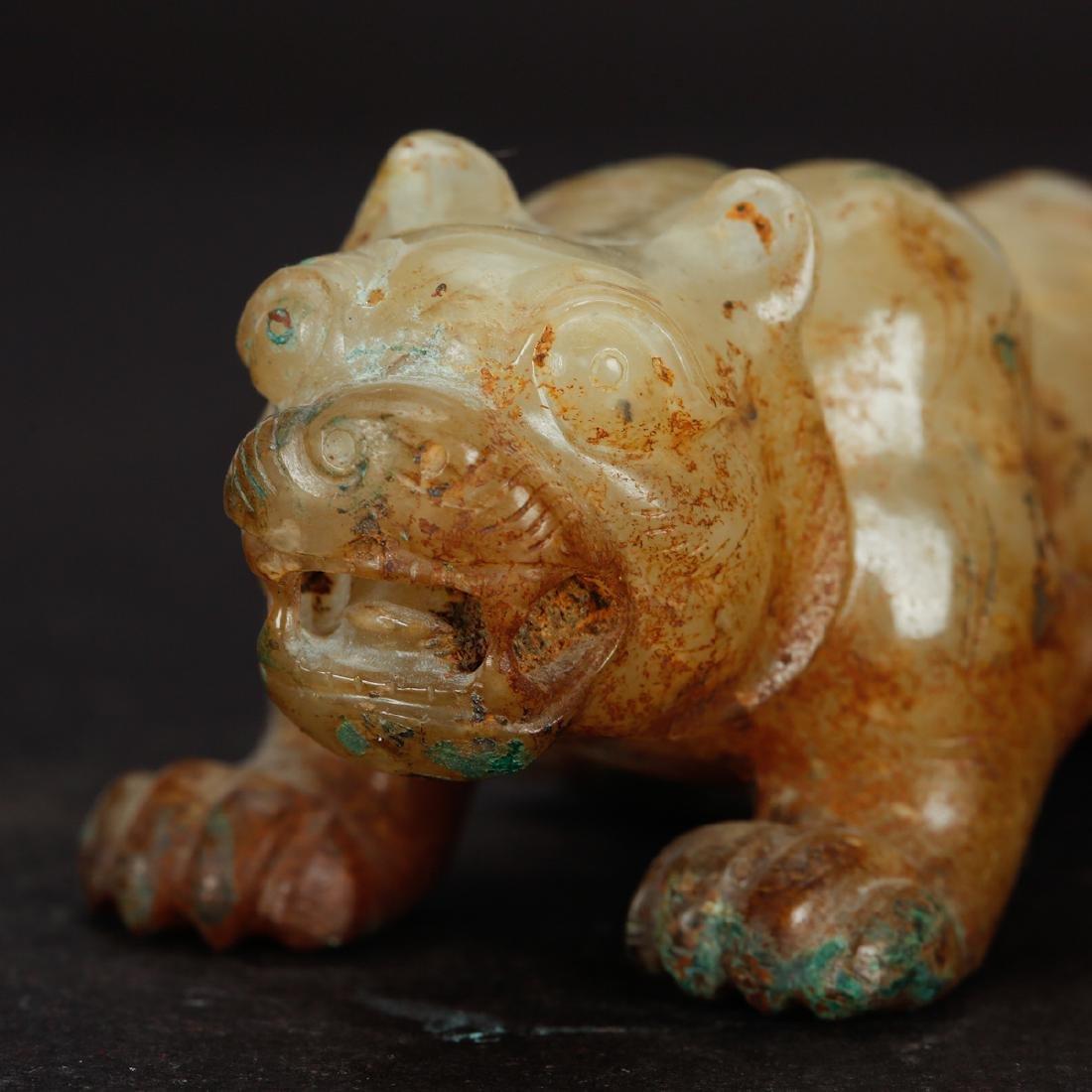 CHINESE ARCHAIC JADE BEAST - 4