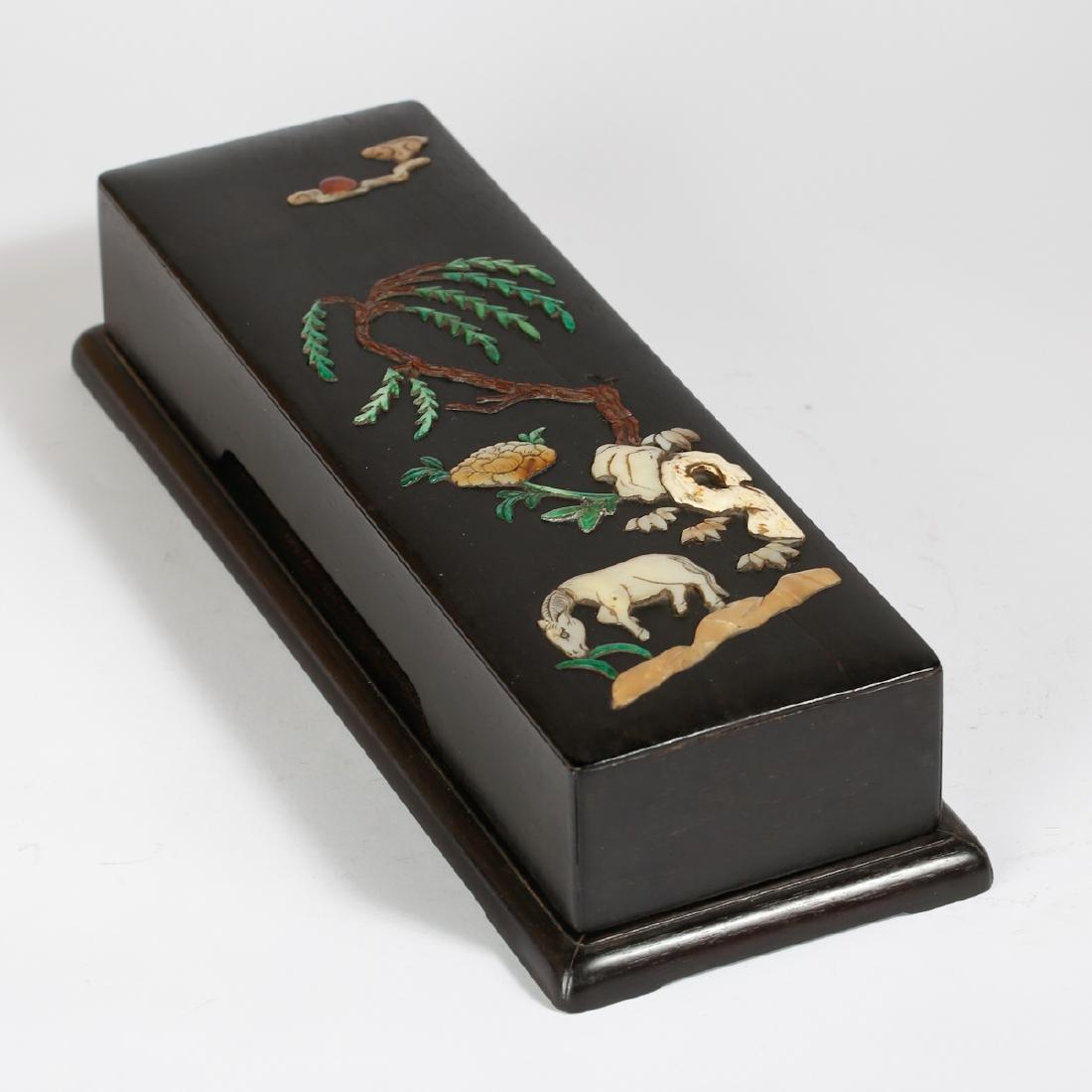 CHINESE ZITAN WOOD BOX WITH INLAID