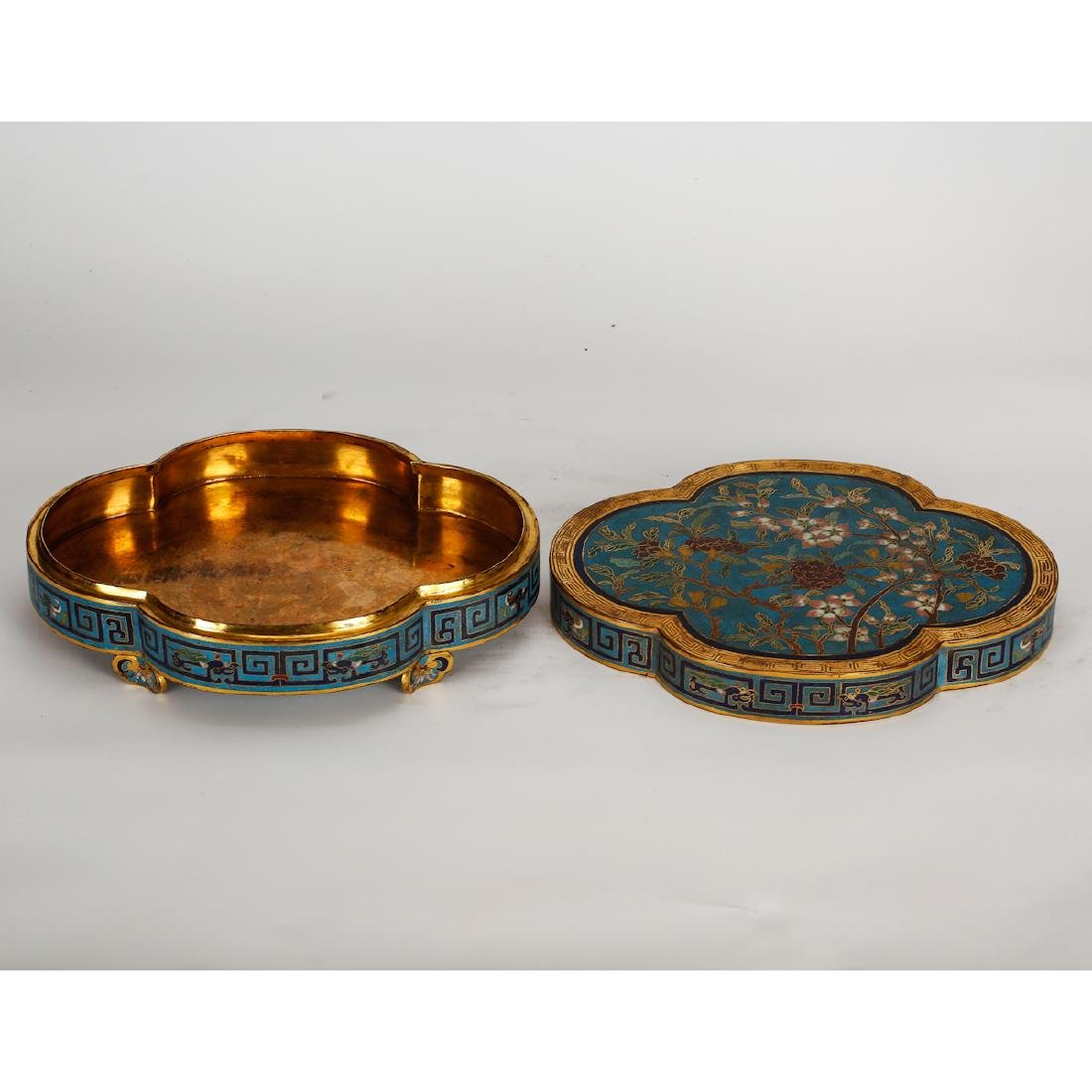 CHINESE CLOISONNE LOBBED SHAPE COVER BOX - 3