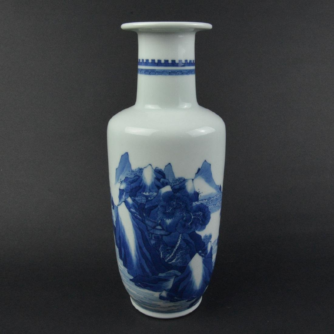 CHINESE BLUE AND WHITE ROULEAU VASE