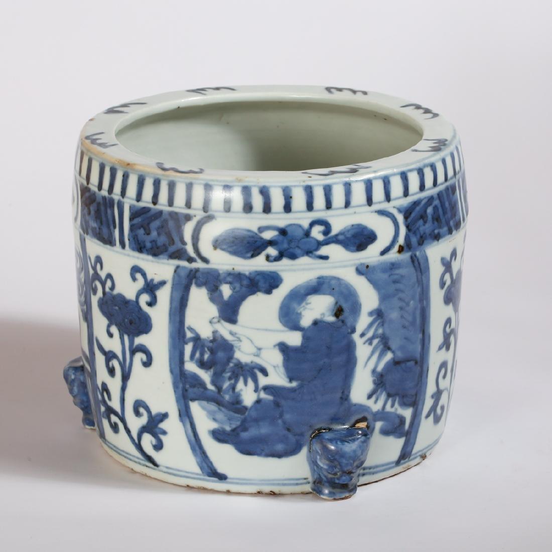 CHINESE BLUE AND WHITE PORCELAIN CENSER - 3
