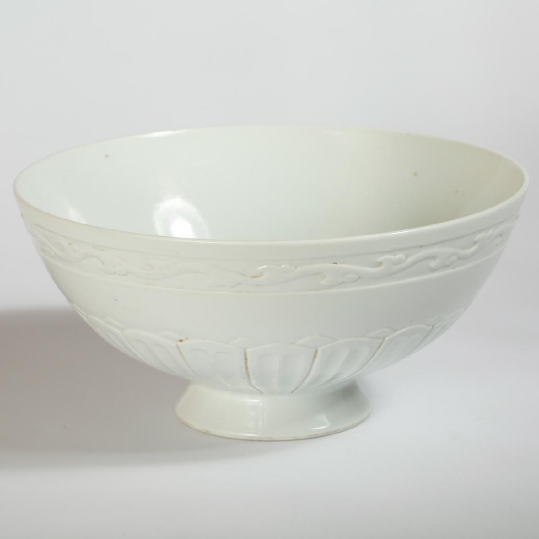 CHINESE WHITE GLAZED ANHUA BOWL