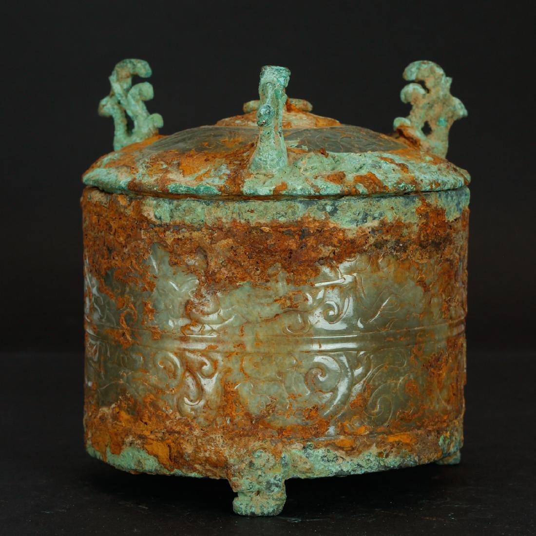 CHINESE ARCHAIC JADE BOX