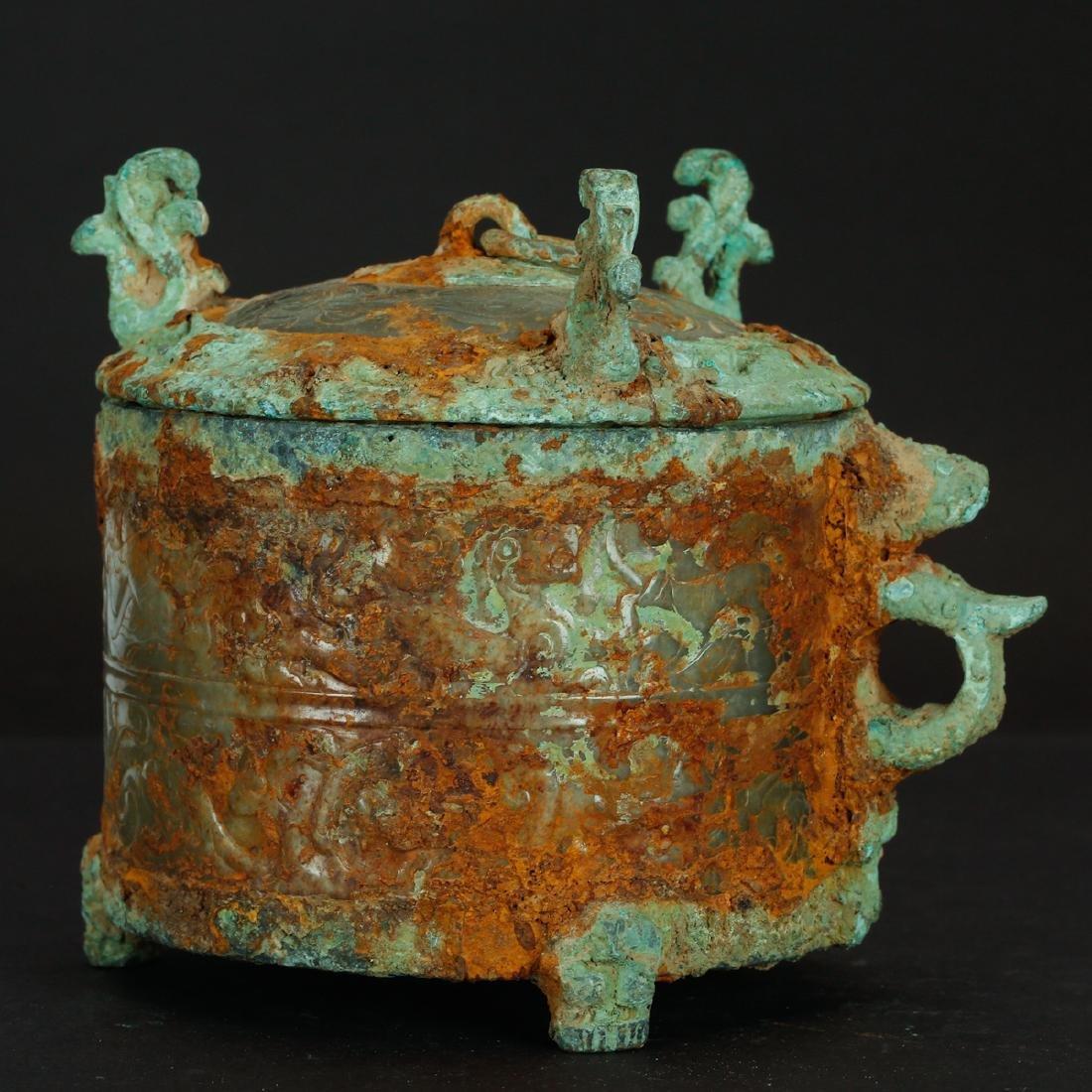 CHINESE ARCHAIC JADE BOX - 2