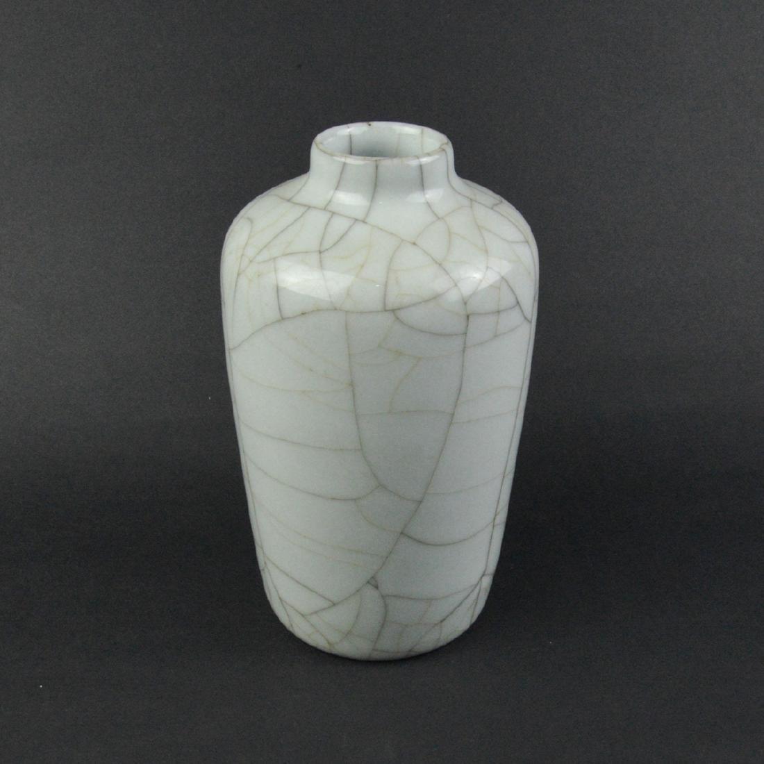 CHINESE CRACKLE GLAZED VASE - 3