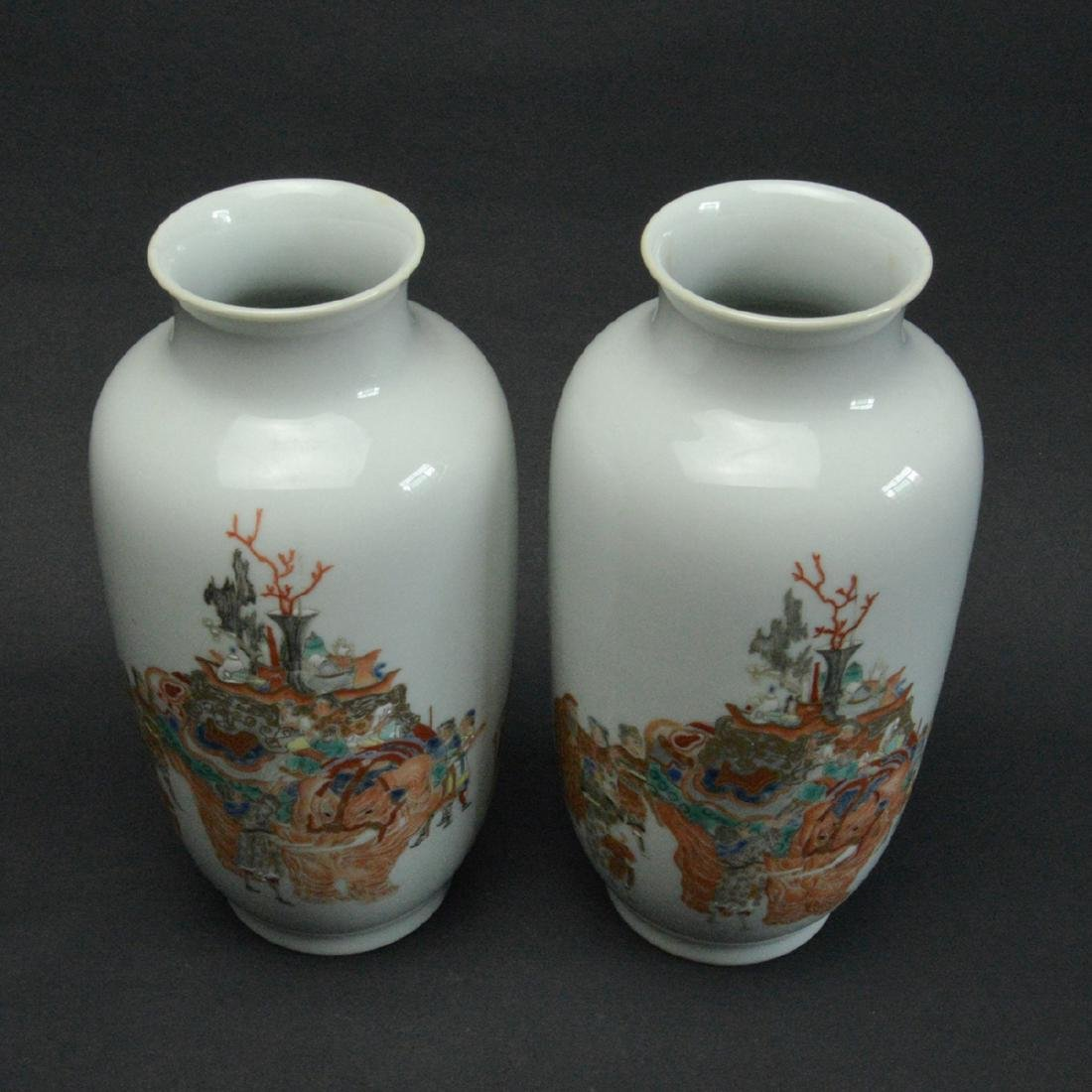 CHINESE FAMILLE ROSE PORCELAIN VASES, PAIR - 2