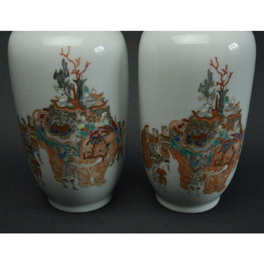 CHINESE FAMILLE ROSE PORCELAIN VASES, PAIR - 5