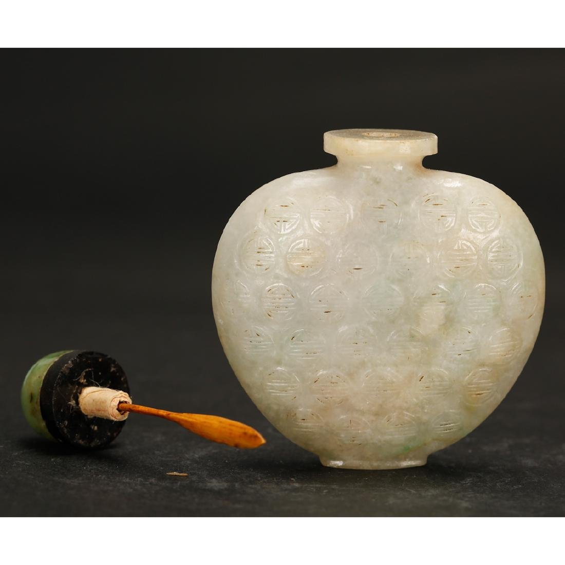 CHINESE WHITE JADE SNUFF BOTTLE - 5
