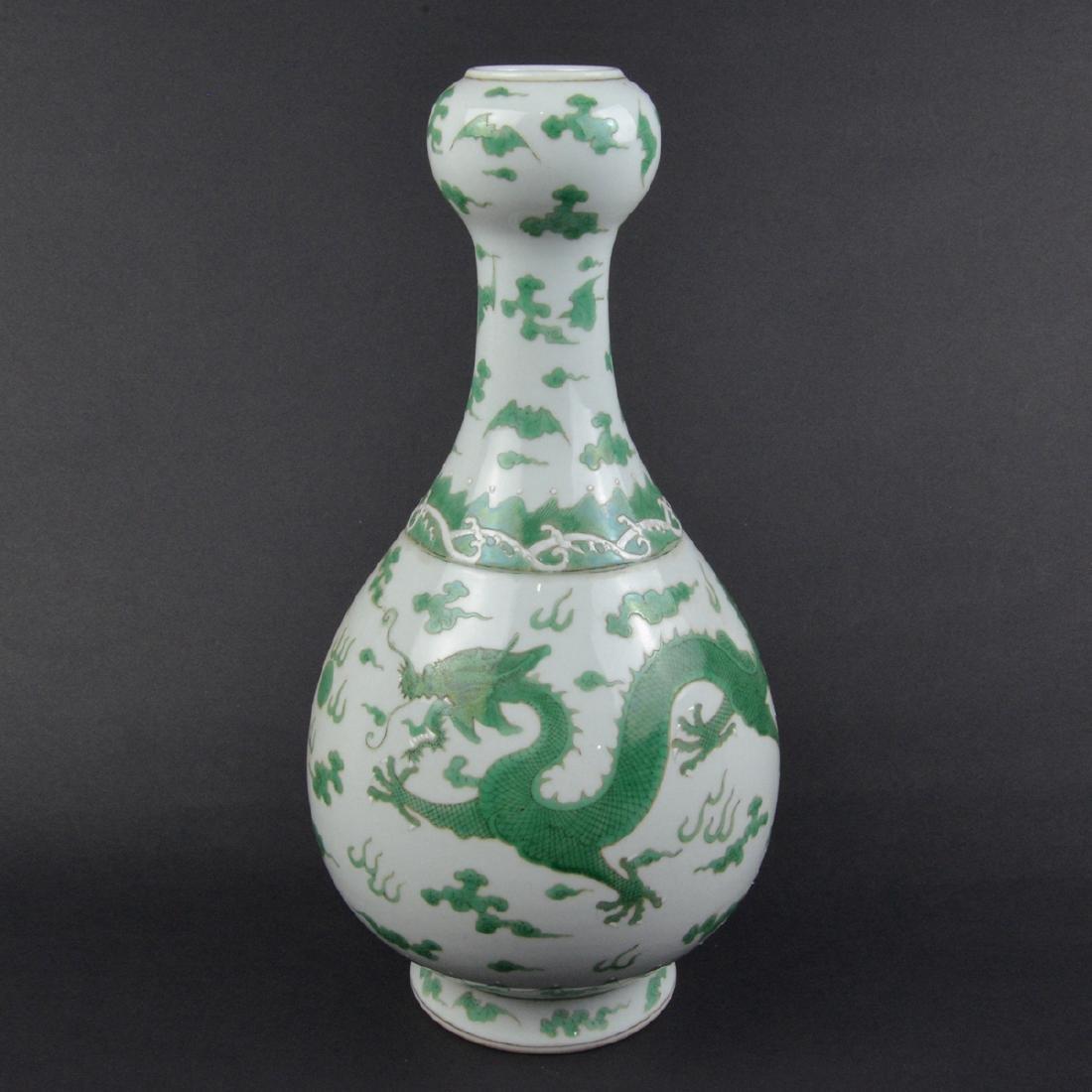 CHINESE GREEN DRAGON VASE