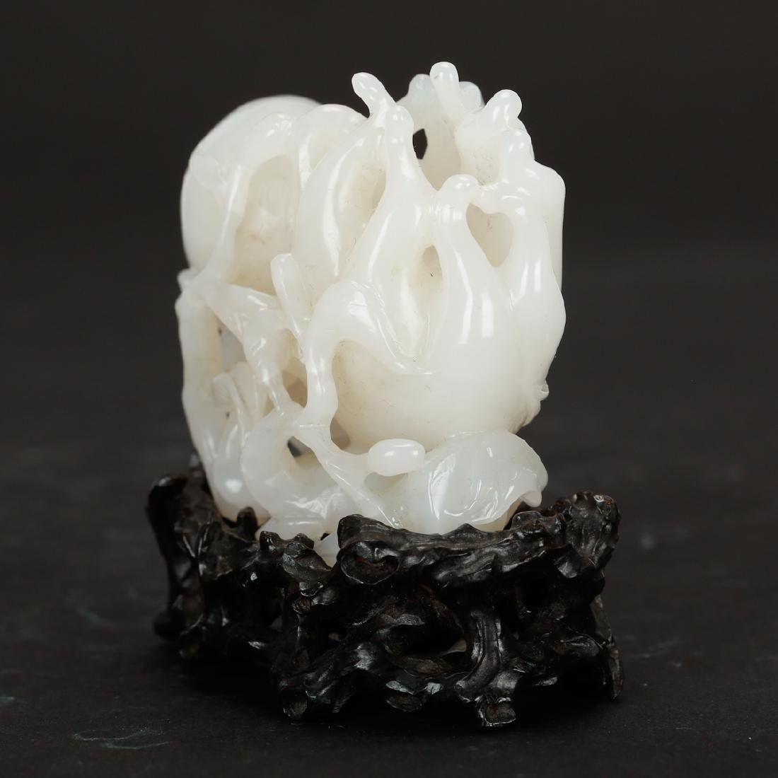 CHINESE WHITE JADE CARVED FINGER CITRON - 3