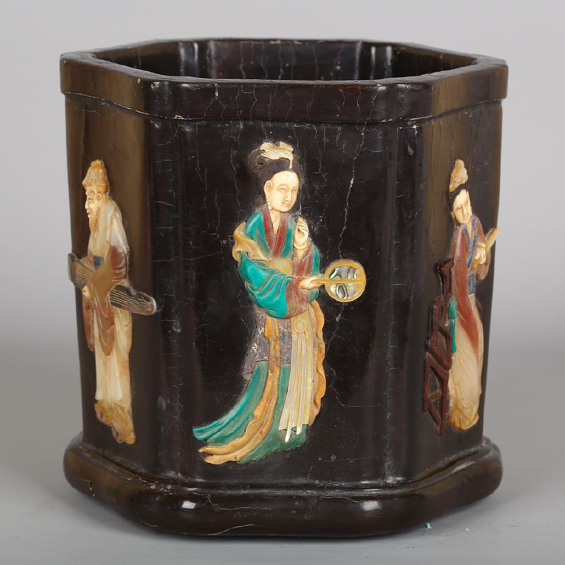 CHINESE LACQUER WOOD BRUSH POT WITH INLAID
