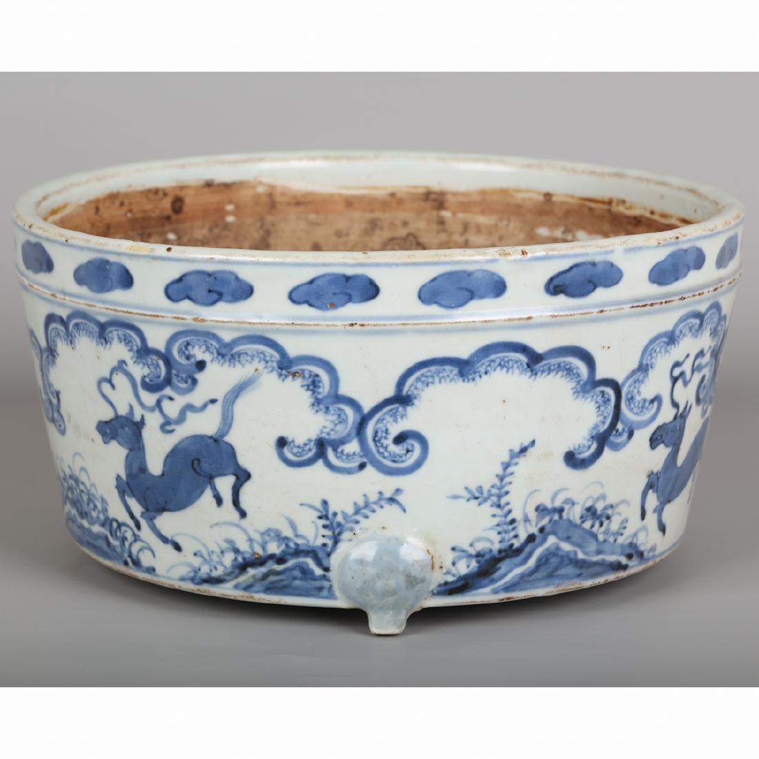 CHINESE BLUE WHITE PORCELAIN JAR - 6