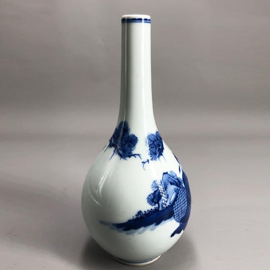 CHINESE BLUE WHITE PORCELAIN VASE - 5