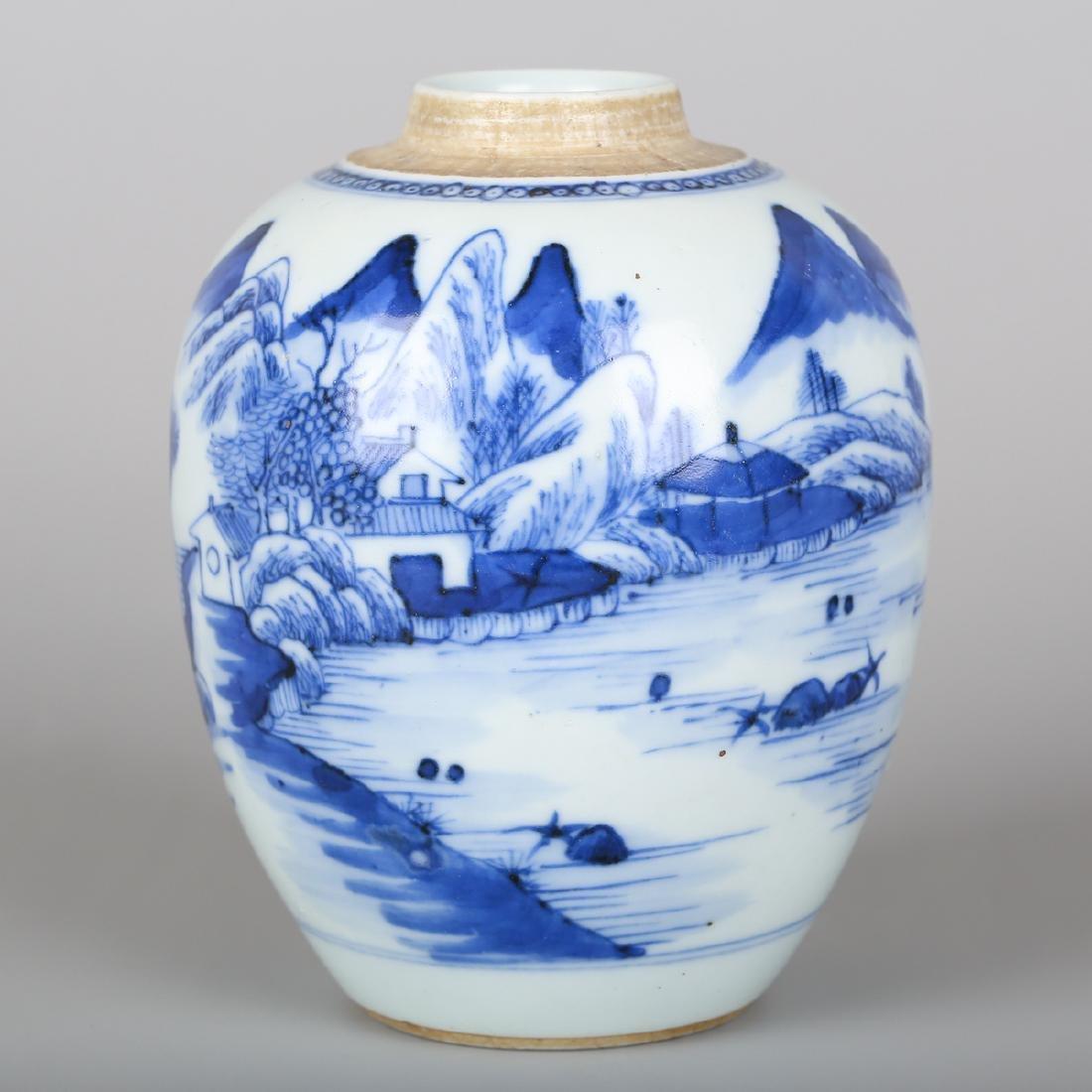 CHINESE BLUE WHITE PORCELAIN JAR