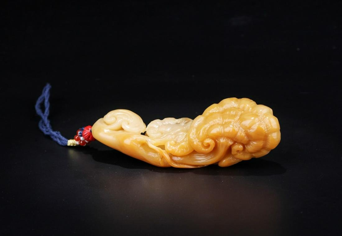 Chinese Yellow Soapstone Toggle