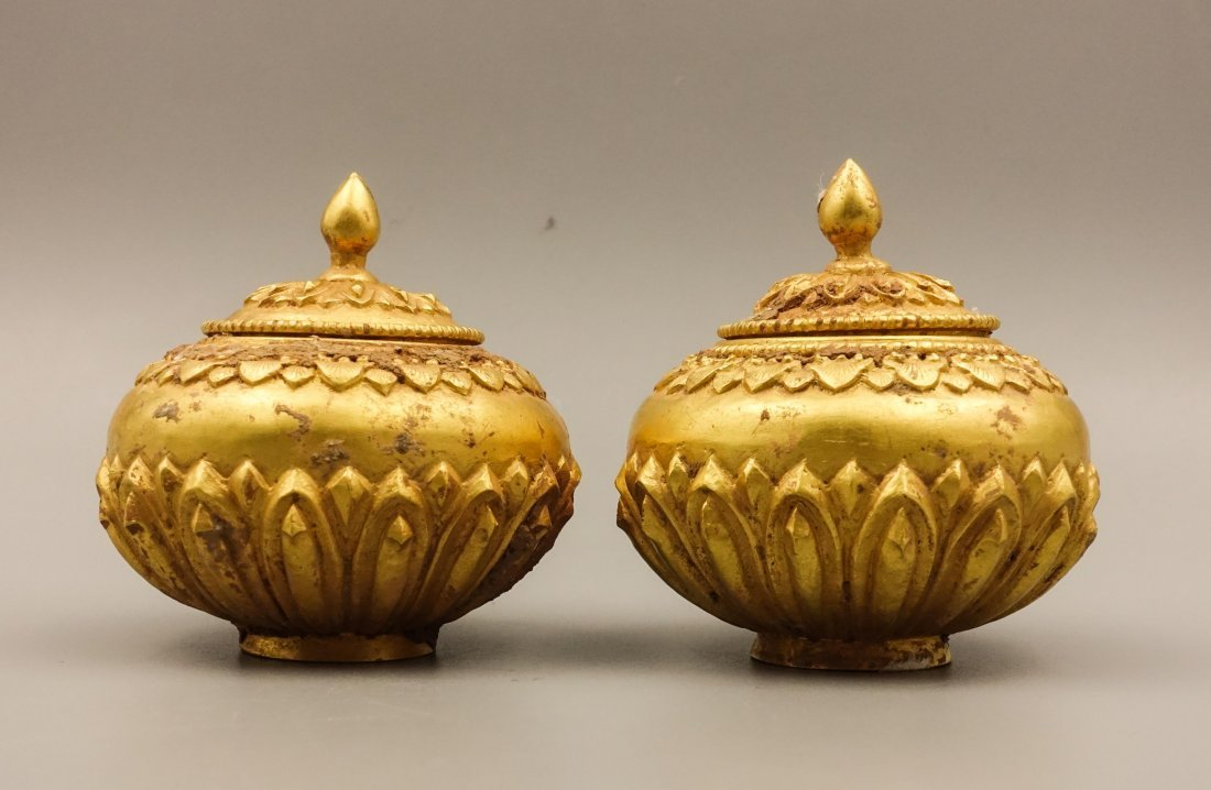 PAIR OF SONG DYNASTY GOLD COVER JAR