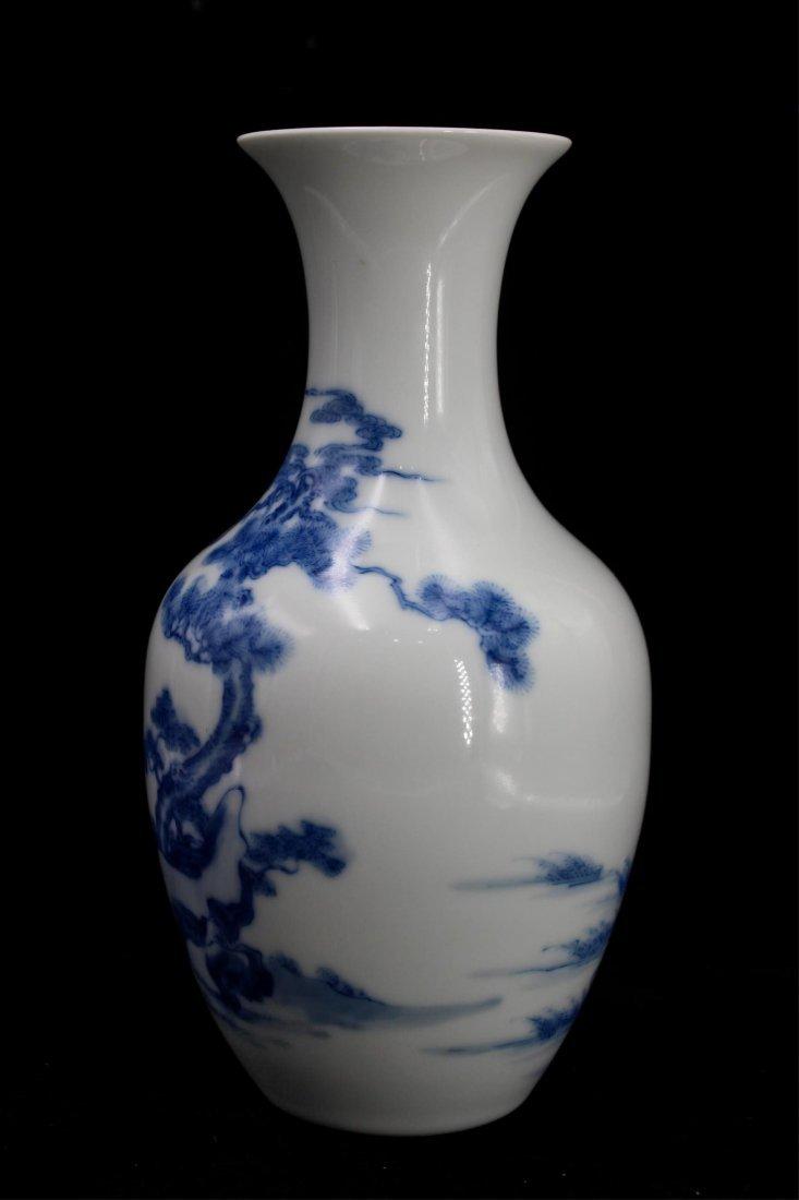 CHINESE REPUBLIC PERIOD BLUE WHITE PORCELAIN VASE - 2