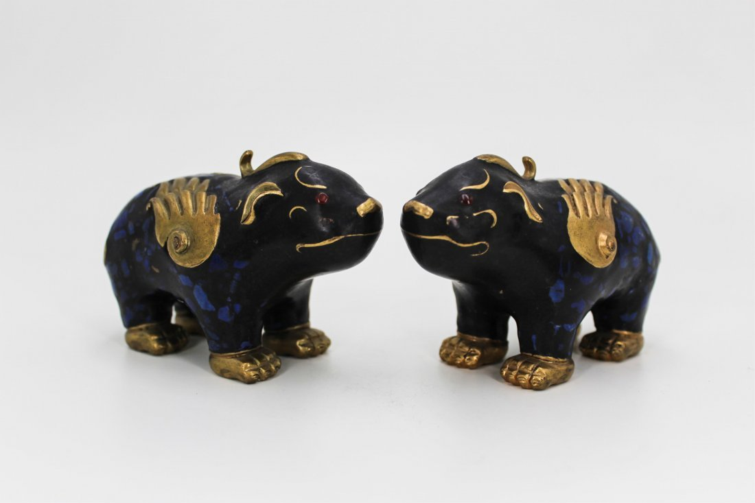 PAIR OF CHINESE GILT BRONZE WITH LAPIS BEASTS