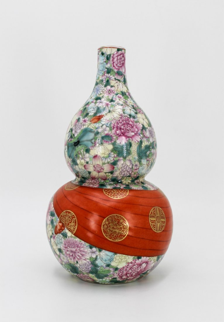 CHINESE QING DYNASTY FAMILLE ROSE GOURD VASE - 2