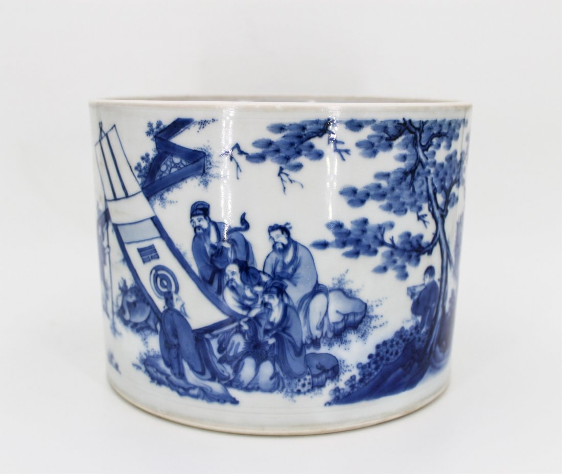 CHINESE QING DYNASTY BLUE AND WHITE BRUSH POT