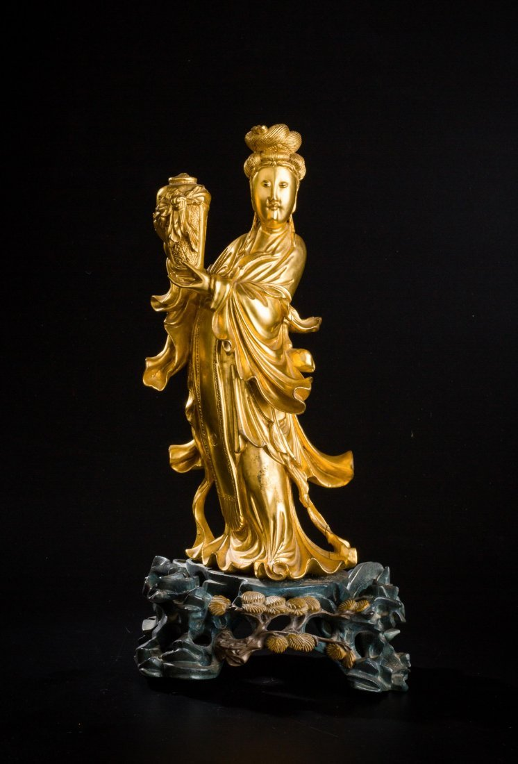 CHINESE QING DYNASTY GILT WOOD FIGURE OF GUANYIN