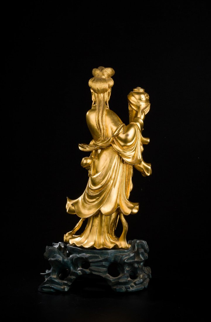 CHINESE QING DYNASTY GILT WOOD FIGURE OF GUANYIN - 4