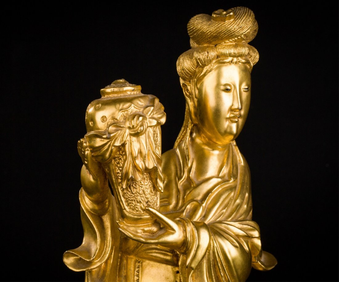 CHINESE QING DYNASTY GILT WOOD FIGURE OF GUANYIN - 6