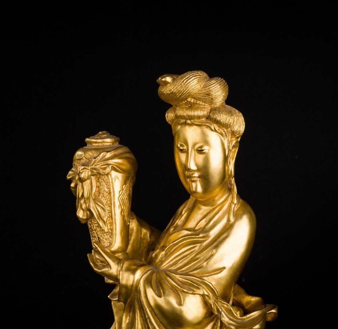 CHINESE QING DYNASTY GILT WOOD FIGURE OF GUANYIN - 9
