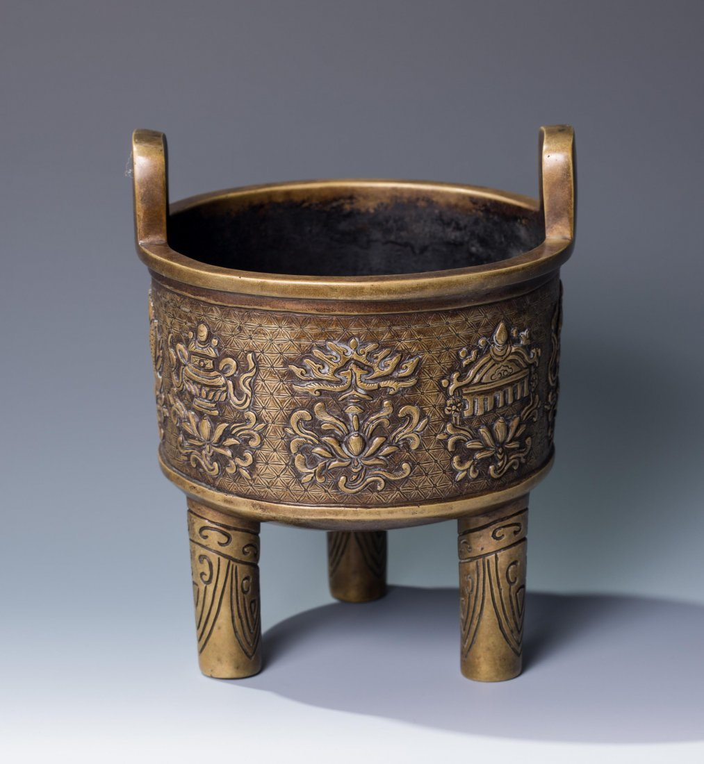 CHINESE QING DYNASTY BRONZE TRIPOD CENSER, MARKED