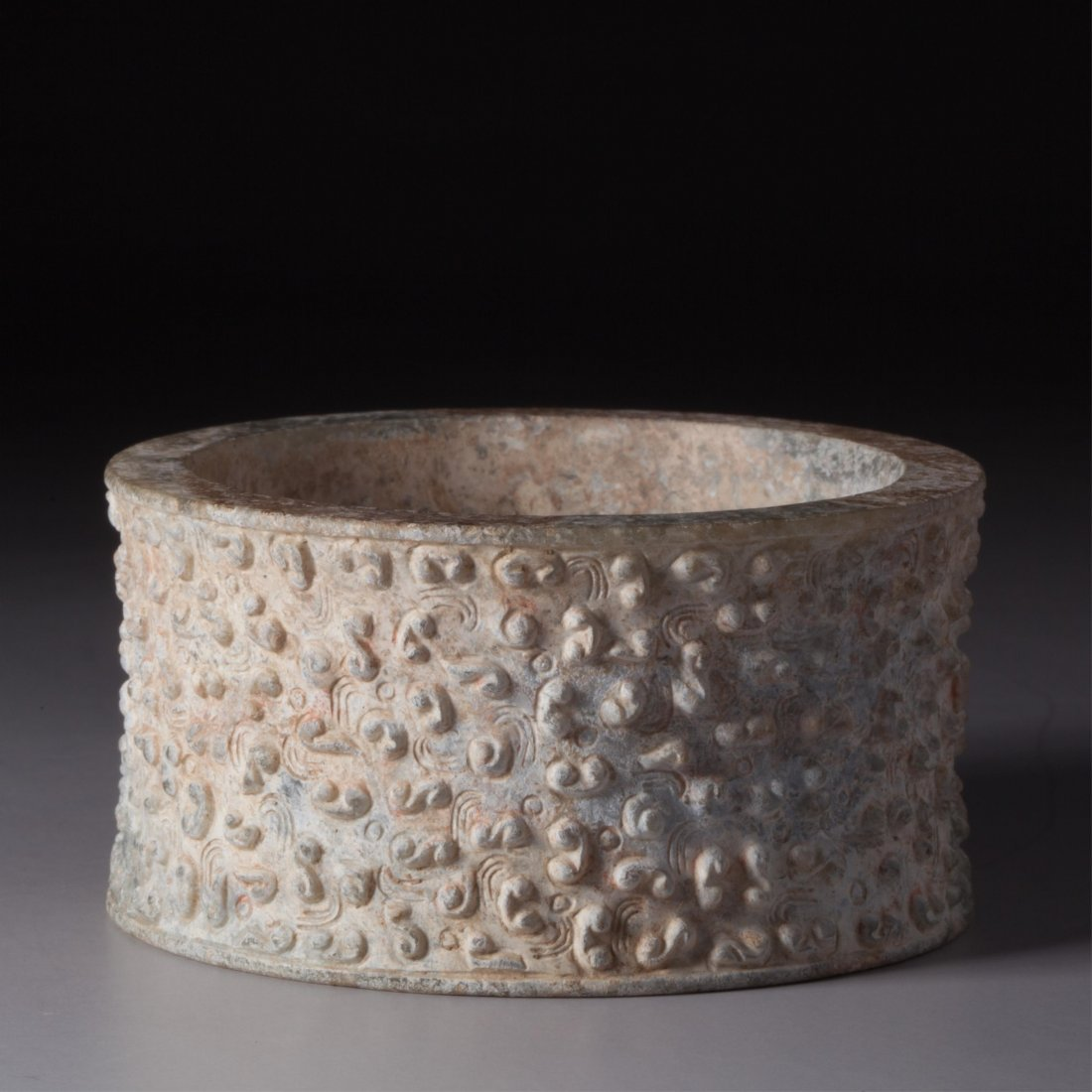 CHINESE ARCHAIC STYLE JADE RING - 4